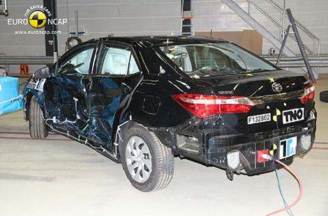 Организация Euro NCAP разбила модели Lexus, Mazda, Mitsubishi, Toyota и Opel. Фото 1