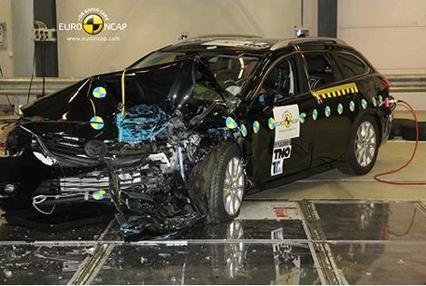 Организация Euro NCAP разбила модели Lexus, Mazda, Mitsubishi, Toyota и Opel. Фото 2