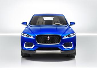 Первый кроссовер Jaguar рассекретили досрочно