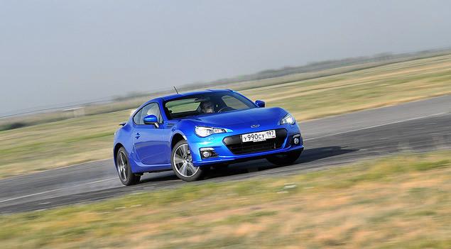 Кто быстрее - заднеприводное купе или переднеприводный универсал?. Фото 5