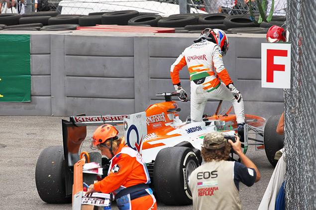 Себастьян Феттель победил в Италии, но болельщики это не оценили. Фото 4