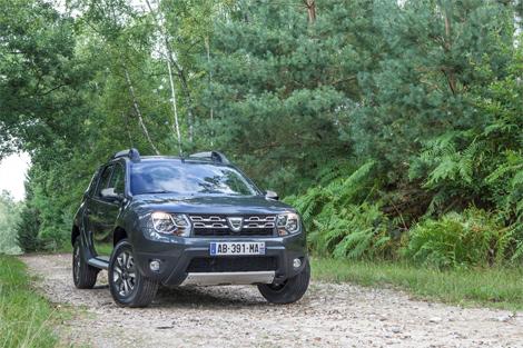 У Dacia Duster после обновления появился новый экстерьер и салон