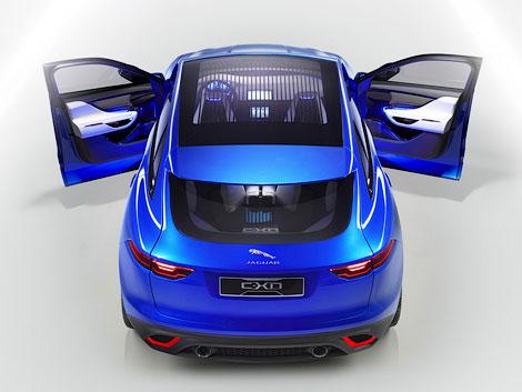В Сети появились новые фотографии концепт-вседорожника Jaguar C-X17