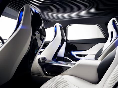 Концепт-кар Jaguar C-X17 представили на автосалоне во Франкфурте. Фото 4