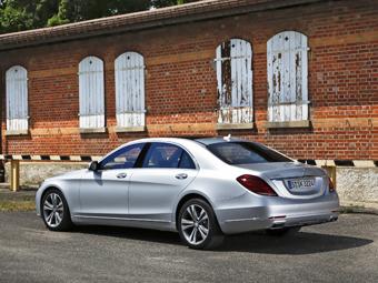 Топовый Mercedes-Benz S-Class будет стоить четверть миллиона евро