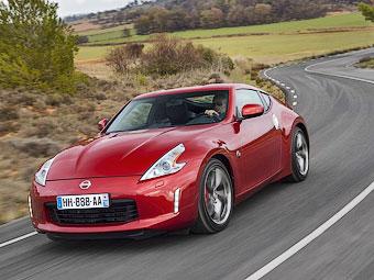 Nissan покажет компактный спорткар в ноябре