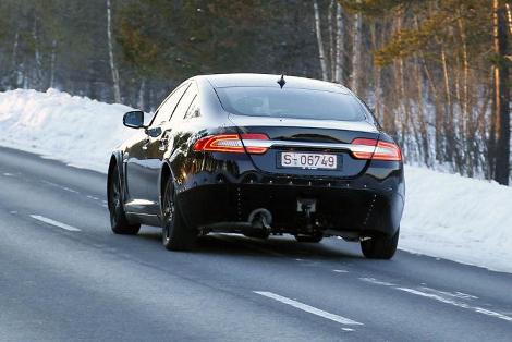 """Соперника """"трешки"""" BMW заметили во время дорожных испытаний. Фото 1"""