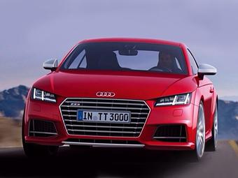 Купе Audi TTS показали раньше срока