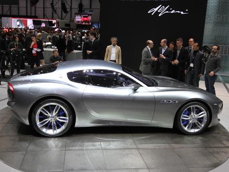 Итальянцы отметили свое столетие концептуальным купе Alfieri. Фото 3