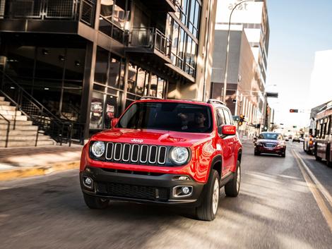 Компания Jeep рассекретила компактный вседорожник Renegade. Фото 3