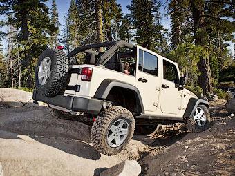 Новый Jeep Wrangler получит крышу с электроприводом