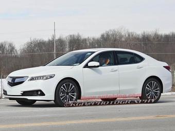 Новый седан Acura сфотографировали без камуфляжа