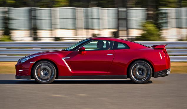 Что изменилось в Nissan GT-R 2014 модельного года