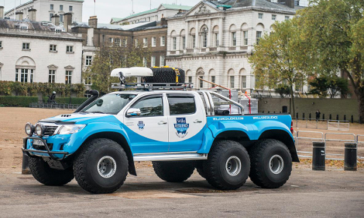 """Фирма Arctic Trucks займется выпуском модифицированных """"Тойот"""". Фото 1"""