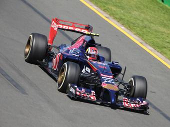 Даниил Квят получил первый штраф в Формуле-1