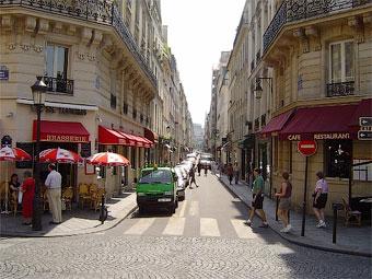 В Париже запретили ездить на автомобилях
