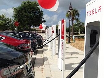 Немцы раскритиковали Tesla за нежелание делиться электрозаправками