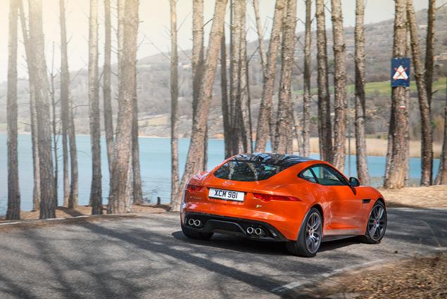 Тест-драйв Jaguar F-Type Coupe - автомобиля, который через полвека станет классикой. Фото 8