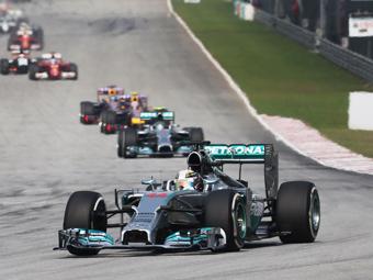 Гран-при Малайзии выиграл Льюис Хэмилтон
