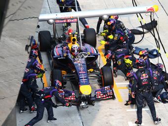 Риккардо лишится 10 мест на старте Гран-при Бахрейна