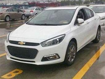 Новый Chevrolet Cruze сфотографировали без камуфляжа