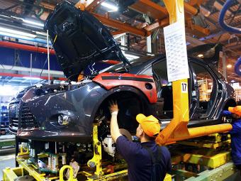 """""""Форд"""" пообещал уволенным сотрудникам пять месячных зарплат"""