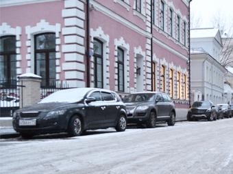 Москва ограничит время пребывания машин на платных стоянках