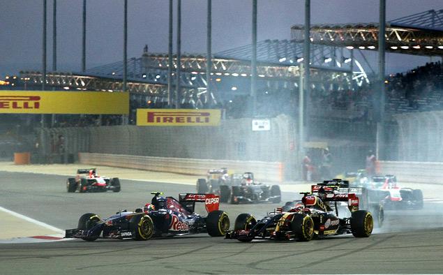 Пилоты Mercedes AMG устроили битву при Бахрейне. Фото 6