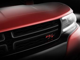Dodge показал фрагменты новых Charger и Challenger