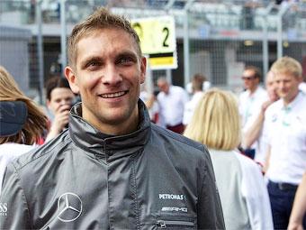 Mercedes-Benz выбрал команду DTM для Виталия Петрова