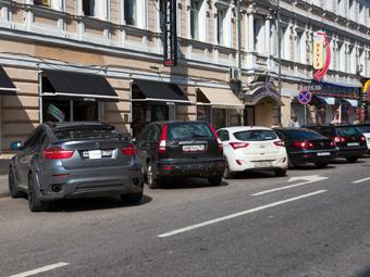 Зону платной парковки в Москве расширят в июне