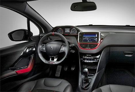 В России продажи хэтчбека 208 GTi стартуют 15 мая. Фото 1