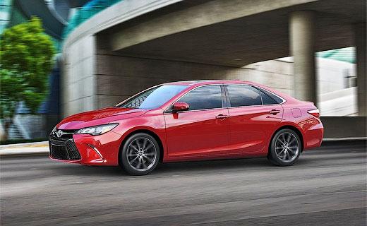 «Тойота» обновила седан Camry