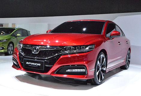 Японцы показали в Пекине прототипы хэтчбека и седана. Фото 2