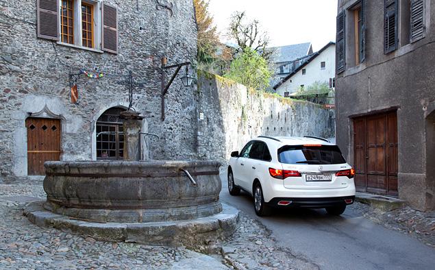Тест-драйв кроссовера Acura MDX, который стесняется своего статуса. Фото 7