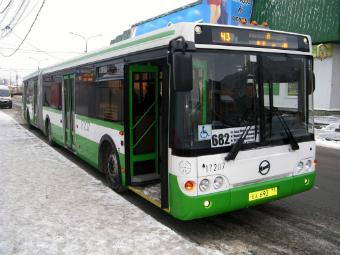 За нарушениями ПДД начнут следить из автобусов к концу лета