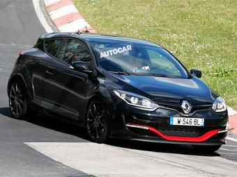 В Renault начали тесты быстрейшего переднеприводника Нюрбургринга