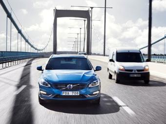 Машины Volvo начали ездить по шведским дорогам на автопилоте