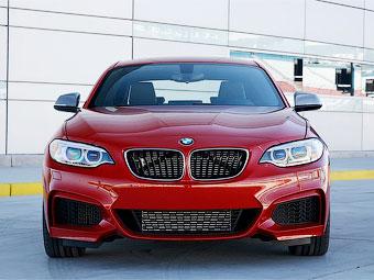 Компания BMW переделала купе M235i в санитарную машину