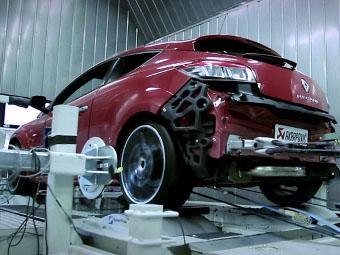 Компания Renault дала послушать мотор рекордсмена Нюрбургринга