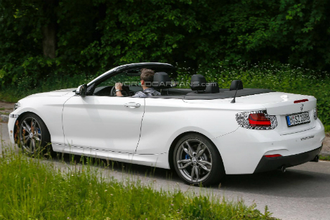 На дорожные тесты вывели кабриолет с 326-сильным мотором