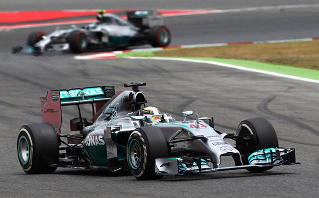 Льюис Хэмилтон вырвал лидерство в Формуле-1 у Нико Росберга. Фото 4
