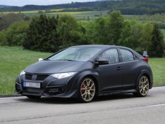 Хот-хэтч Honda Civic Type R сфотографировали без камуфляжа