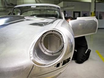 Jaguar будет продавать возрожденный E-Type за 1,2 миллиона евро