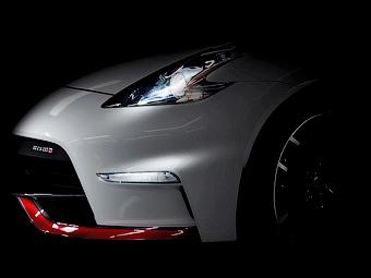 Компания Nissan показала фрагмент обновленного 370Z Nismo