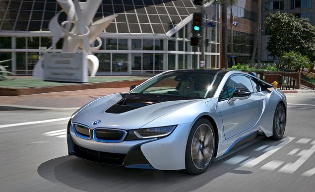 Первый тест футуристичного спорткара BMW i8. Фото 5