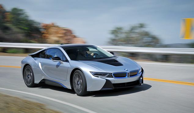 Первый тест футуристичного спорткара BMW i8. Фото 8