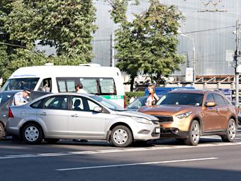 Российским водителям разрешат покидать место аварии