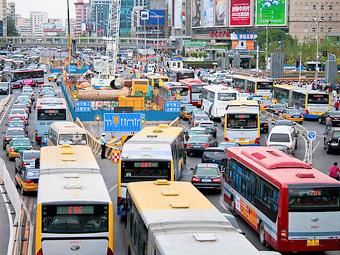 Китайцы для борьбы со смогом уберут с дорог 5 миллионов машин
