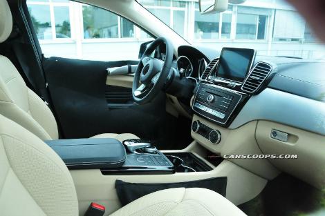 """Конкурент BMW X6 от """"Мерседеса"""" получит переднюю панель в стиле внедорожника ML"""